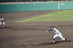 先発横田は7回2失点と粘り強いピッチングを見せる