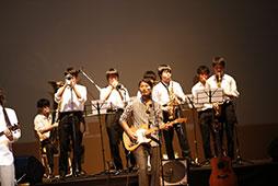 鎌学音楽部とのコラボも
