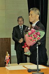 英語科の山口俊則先生が退職されます。お疲れさまでした。